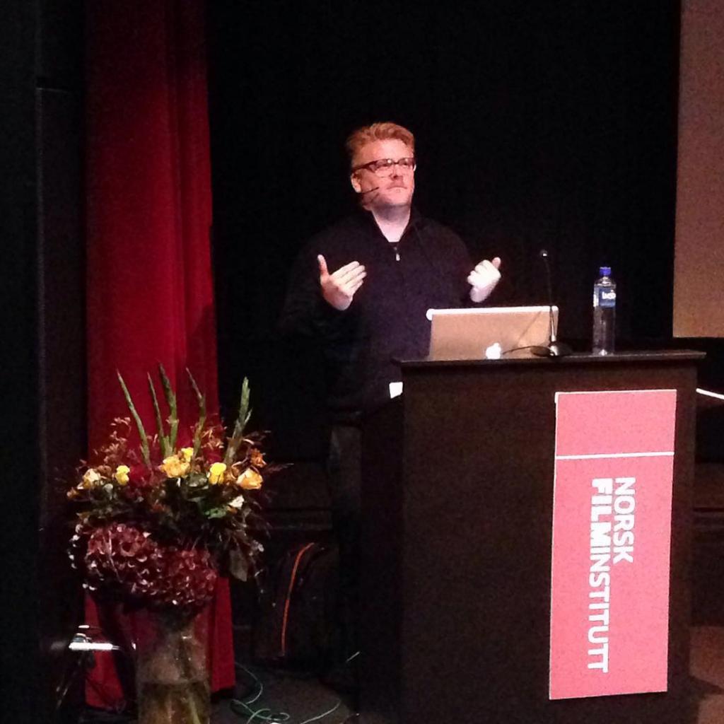 Danske Peter Albrechtsen holder sitt innlegg Wes is more filmsem15hellip