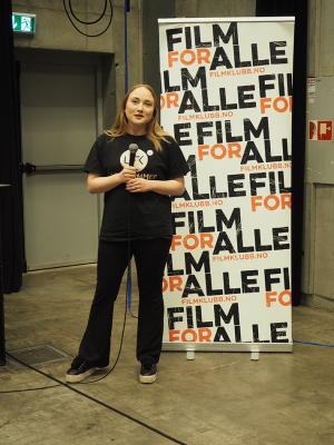 Andrea Oppegaard Jakobsen presenterte Lillehammer filmklubb.